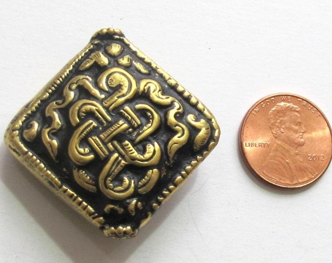 1 Bead - Large size Tibetan brass repousse endless knot design focal pendant bead -  BD485