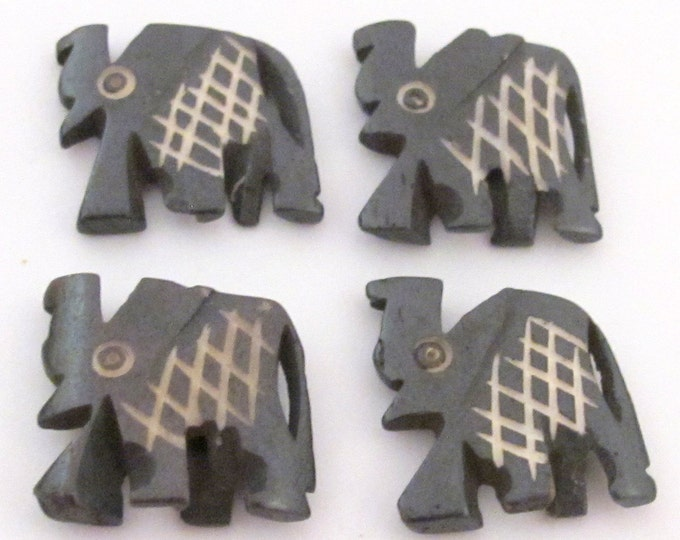 4 pieces - Carved elephant design  bone beads  - HB005