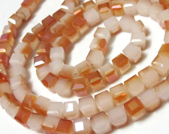 Cube glass crystal faceted beads - 6mm - 25 beads - BD368