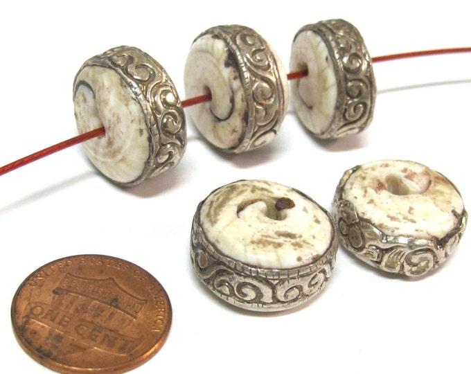 1 Bead - Round disc shape Tibetan silver encased tribal naga conch shell focal bead 17 - 18 mm wide - CH066
