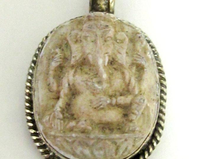 Oval shape Creamish white Ganesha pendant - tibetan pendants - nepal pendants - PS004A