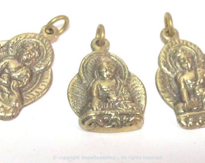 1 pendant - Tibetan pendant buddha pendant tibet Nepal metal brass Buddha charm pendant  medicine buddha charm from Nepal - CP127