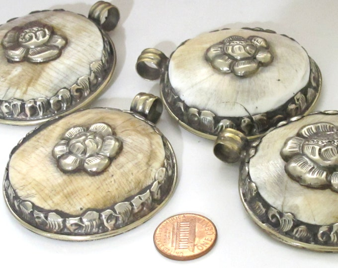1 pendant - Large Ethnic Tibetan Nepal antiqued silver finish  naga conch shell  pendant with flower design   - PM547E