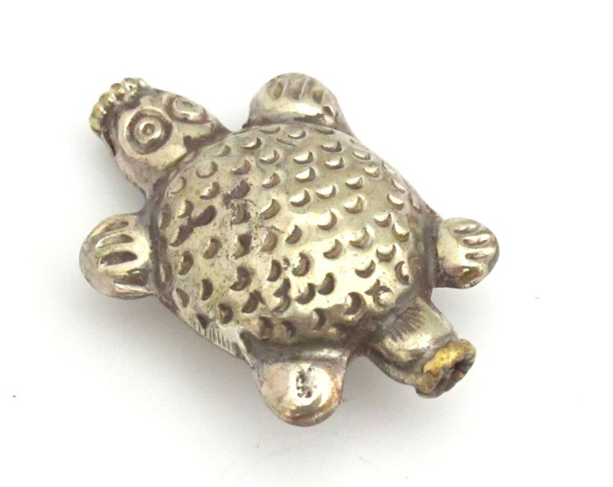 1 BEAD - Ethnic Tibetan silver repousse turtle design beads -  BD742
