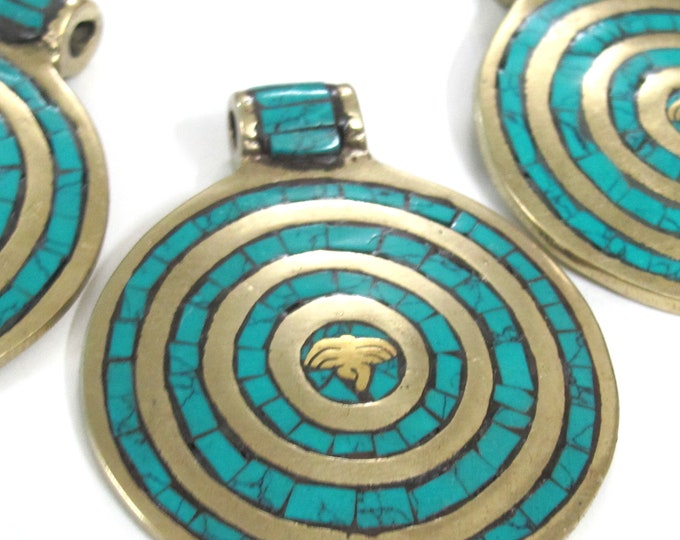 1 Pendant - Large Tibetan brass pendant Buddha eye concentric circles design with turquoise inlay - PM274B