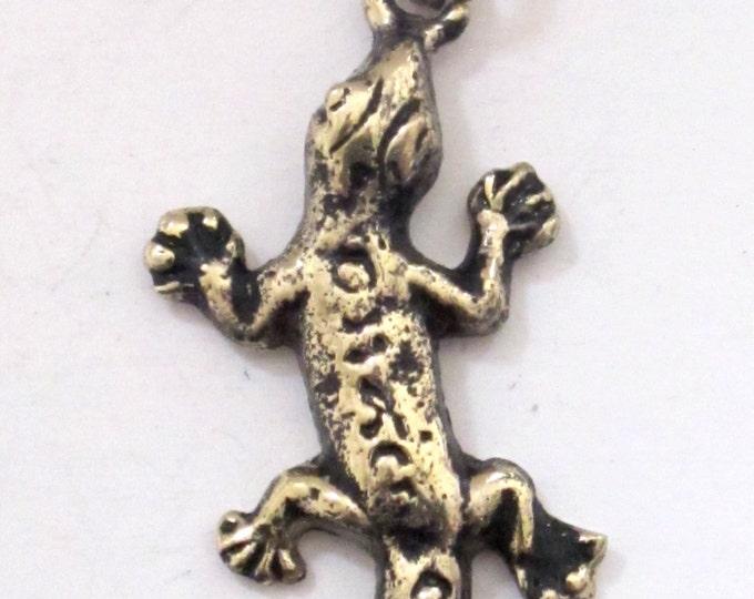 Tibetan gecko alligator lizard charm pendant from Nepal  - CP031E