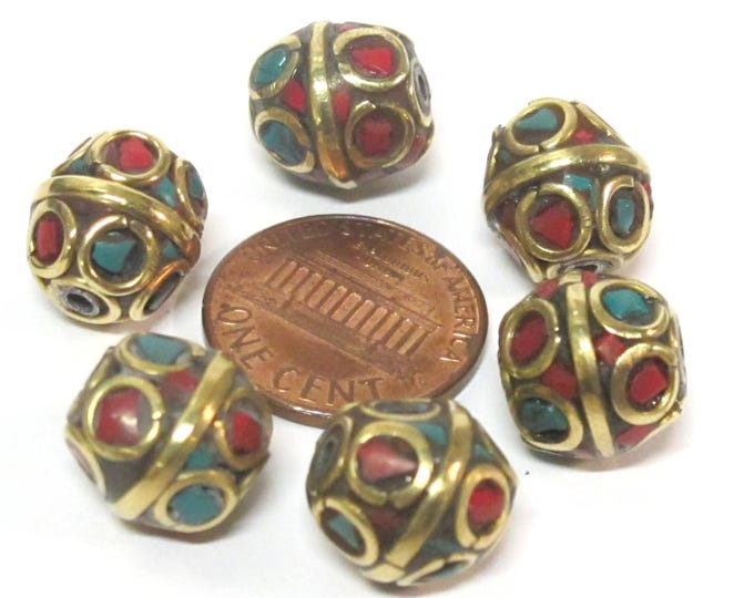 10 Beads - Ethnic Nepal beads  oval shape brass circles design with turquoise coral inlay  - BD051Az