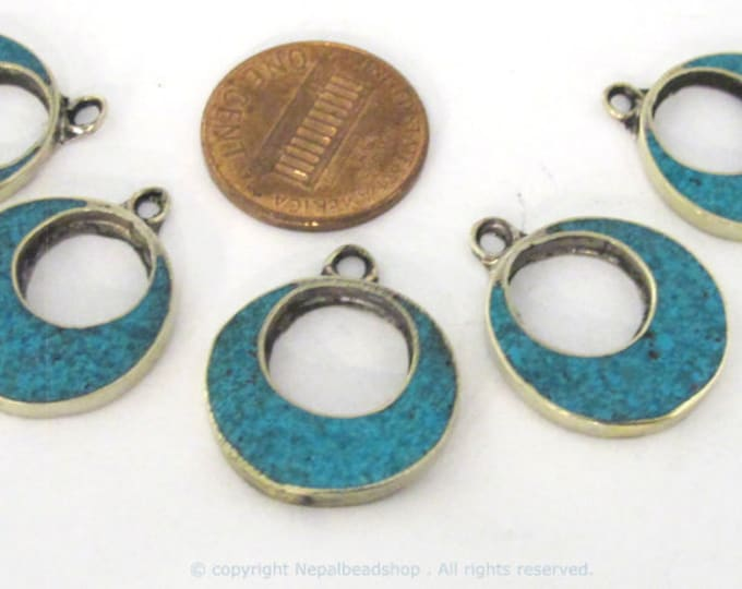 2  pieces  - Tibetan silver donut disc shape charm pendants with turquoise inlay - PM509B