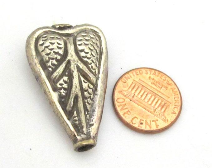 1 BEAD - Ethnic Tibetan silver repousse Leaf  design beads -  BD745