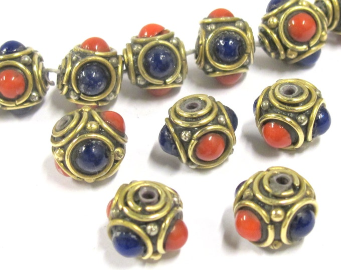 4 beads - Ethnic Tibetan nepal brass beads with red blue resin inlays - BD800