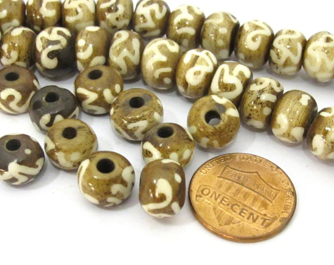 10 BEADS - Tibetan mala making Om etched brown bone beads 10 mm size - HB062A