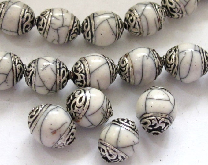 4 BEADS - White crackle resin Tibetan silver floral capped beads  - BD587C