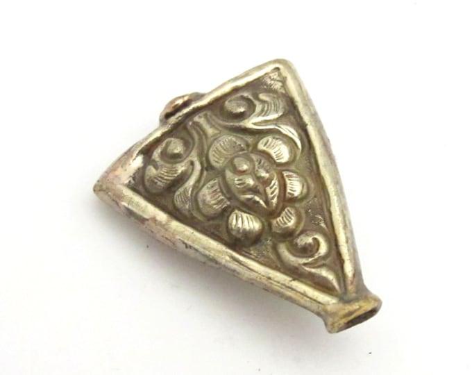 1 BEAD - Ethnic Tibetan silver repousse Triangle shape lotus flower design beads -  BD744