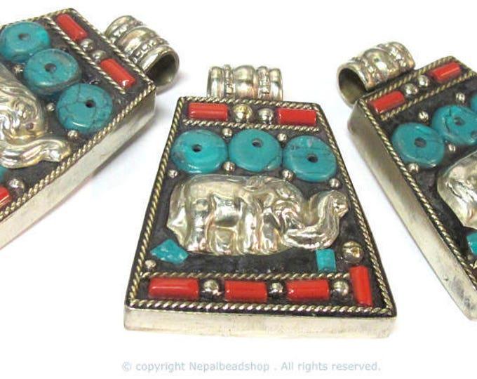 1 Pendant - Ethnic Tibetan silver Elephant pendant with turquoisie inlay - PM283