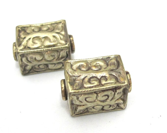 2 Beads - Tibetan silver repousse floral leaf carving rectangle cube shape bead - BD903s