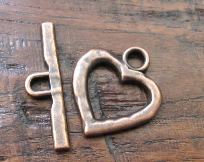 Copper hammered heart shape Toggle clasp - 1 set - BD555