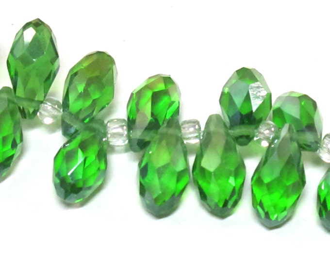 10 beads - Faceted teardrop shape green peridot color shiny crystal glass beads - AB065
