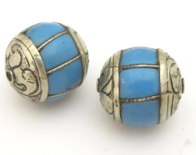 1 BEAD - Large grooved melon shape Tibetan silver blue copal resin bead - BD715