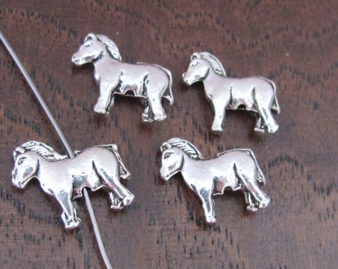 4 BEADS - Off to the Races Silver tone horse beads - BD505