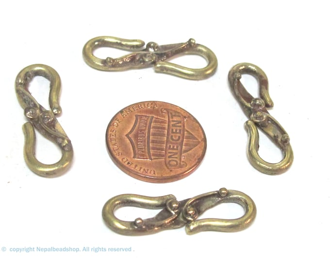 4 clasps - Tibetan Brass S hook clasp antiqued finish from Nepal with design - LN015K