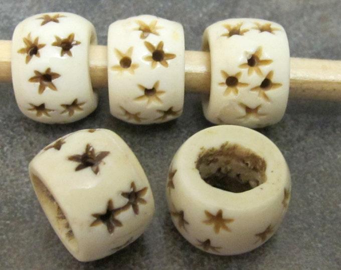 2 Beads-Carved stars ethnic bone beads -  BD261