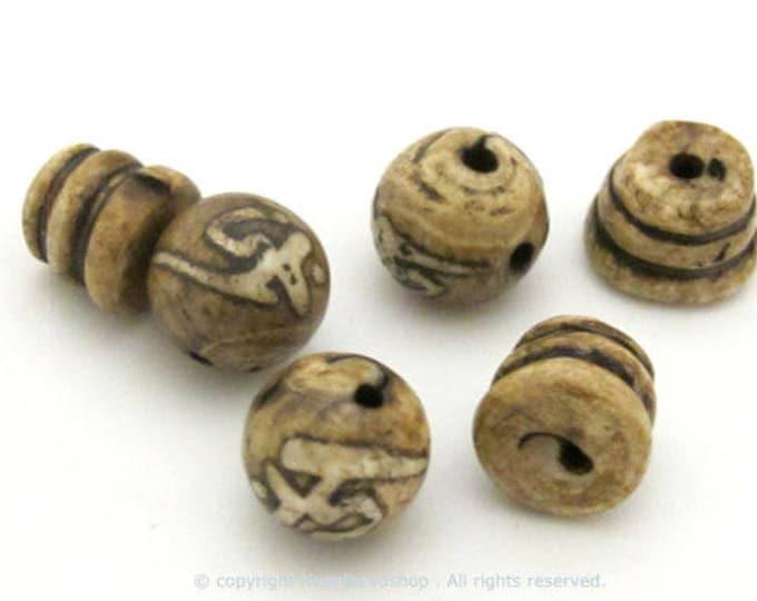 1 Guru bead Set - Large 3 hole conch shell prayer mala Guru bead 13 -14 mm - GB031