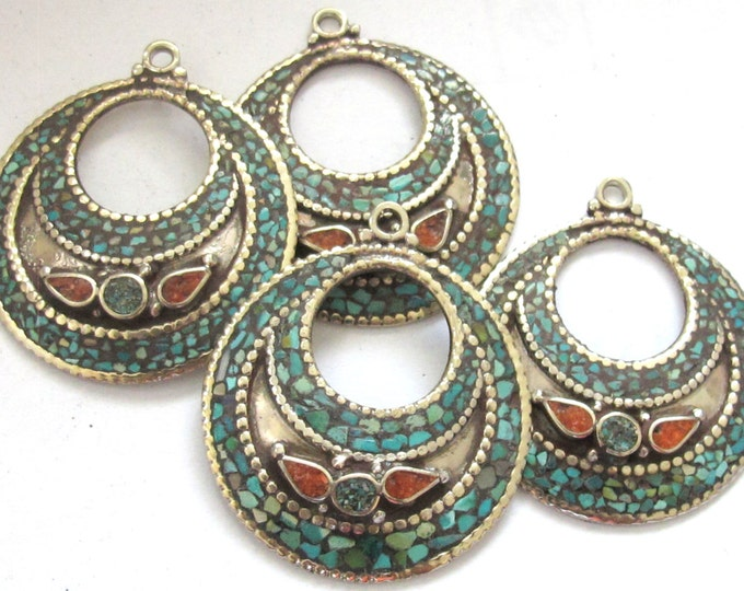 2 pieces - Ethnic Oval disc Tibetan silver charm pendant discs with turquoise coral inlay - PM239