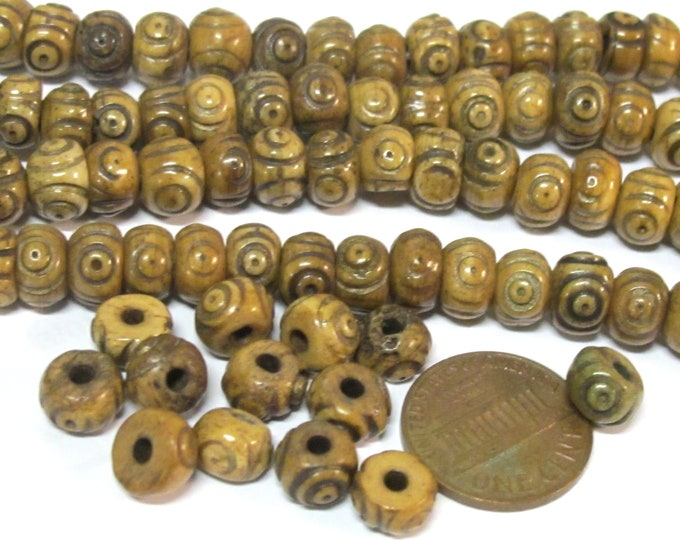 25 beads - Tibetan carved circles dotted brown color  upcylced cattle bone beads 8 mm size - ML118D