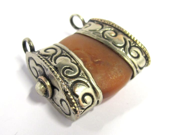 1 Pendant - Ethnic Tibetan silver double bail carnelian gemstone pendant - PM390