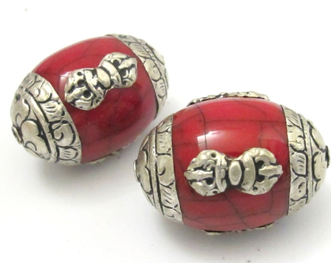 1 bead -Large Tibetan red crackle resin capped beads with tibetan dorje vajra symbol - BD627