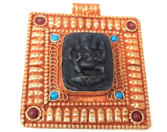 Beautiful temple design Hindu God Ganesha filigree pendant - PM109Q