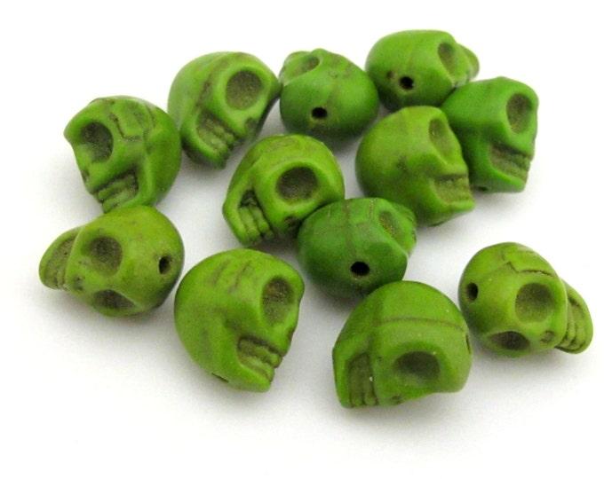 10 green howlite  skull beads 10 mm x 8 mm - GM332