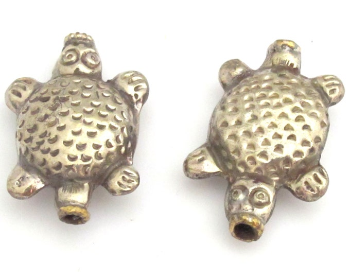 2 BEADS - Ethnic Tibetan silver repousse turtle design beads -  BD742