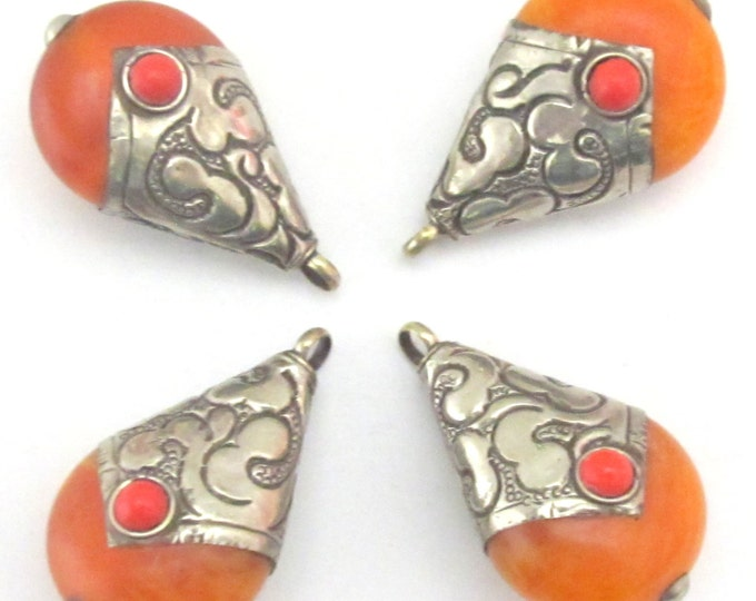 Reversible Teardrop shape Tibetan silver capped copal resin pendant - 1 pendant -  PM182