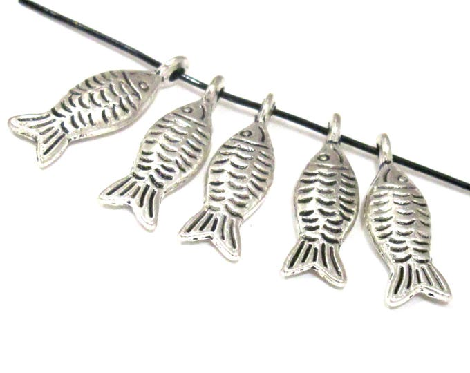 6 charm pendants  - Dual sided antiqued silver color fish metal pendant charm beads - CM205