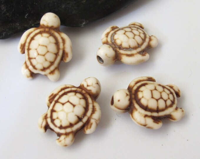 4 Beads-Howlite Ivory color Carved Turtle charm beads - GM179