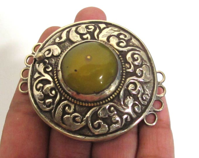 1 clasp - Large size ethnic Tibetan copal resin inlaid statement box clasp pendant with floral carving from Nepal - LN034