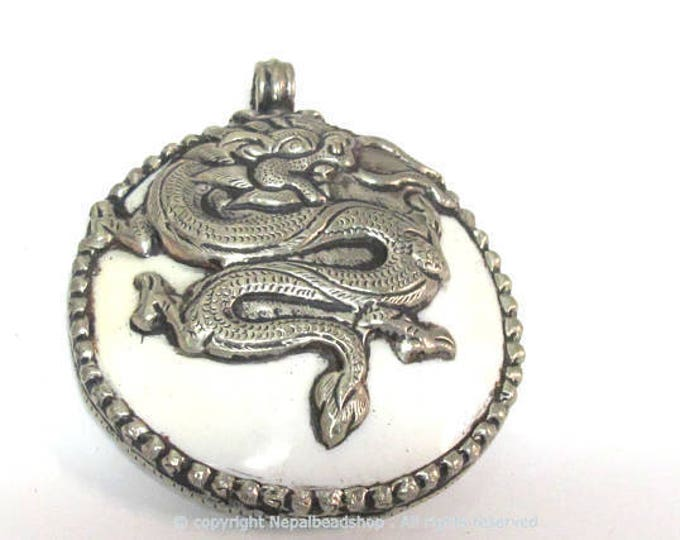 1 pendant - Large bold Tibetan Silver Repousse tribal naga conch shell pendant with tibetan dragon carving  - PM492B