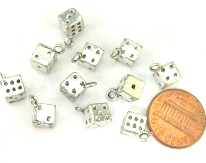 10 pieces - Dice cube shape dice charms small size - CM120