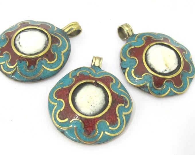 1 Pendant  - Reversible Tibetan conch shell brass pendant with auspicious conch lotus flower symbol - PM429