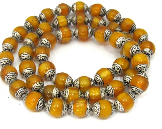 4 BEADS - Tibetan beads - Tibetan copal resin silver capped beads - BD587E
