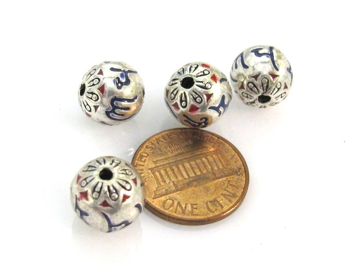 2 beads - Tibetan Om mantra 10 mm Om mantra etched bead with lotus floral design - BD944