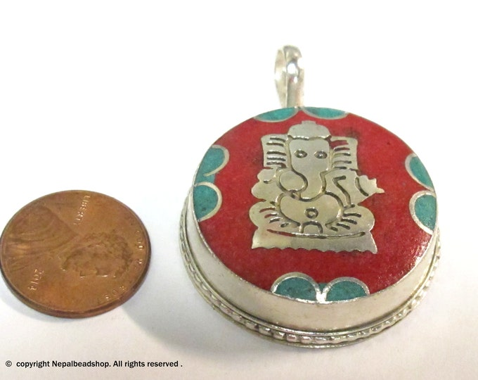 1 box pendant - Tibetan silver Ganesha Ghau prayer box pendant from Nepal with turquoise coral inlay - PM375AB