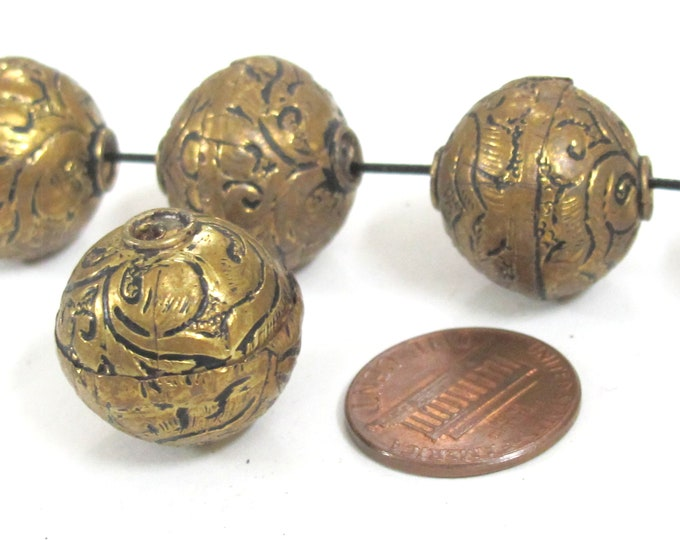 1 Bead -  Large size 19 - 20 mm Tibetan brass floral repousse antiqued golden tone beads from Nepal -  BD907Mz