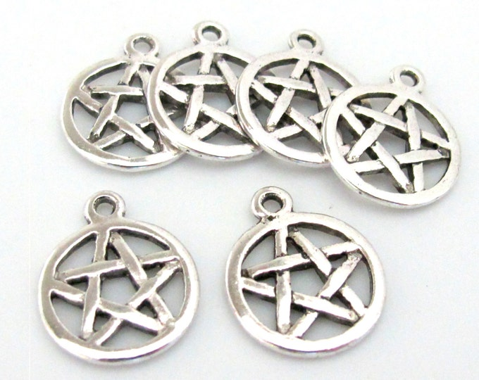10 Pieces -Star round silver tone disc charms  - BD571