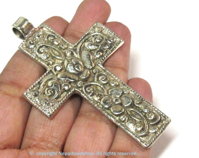 Reversible Tibetan floral design cross pendant from Nepal - PM596A