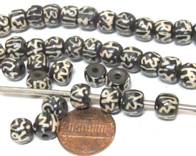 10 beads - 8 mm size Tibetan Om mani padme hum inscribed bone beads from Nepal - ML111B