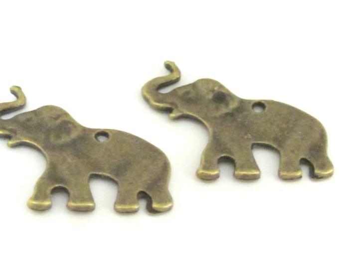 8 pcs - Brass tone elephant shape charms 25 mm x 18 mm -  CM084