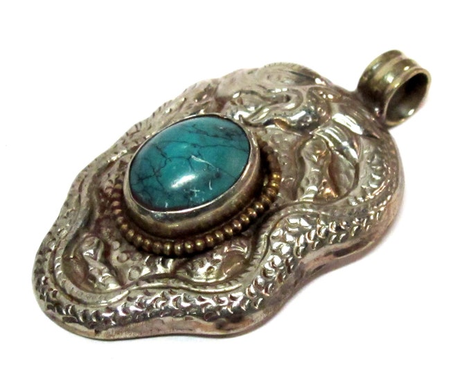 Tibetan silver repousse dragon  pendant inlaid with turquoise -Nepal pendant - 1 pendant - PM271Cx