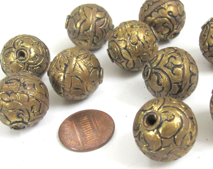 10 BEADS -  Large size 19 - 20 mm Tibetan brass floral repousse antiqued golden tone beads from Nepal -  BD907M